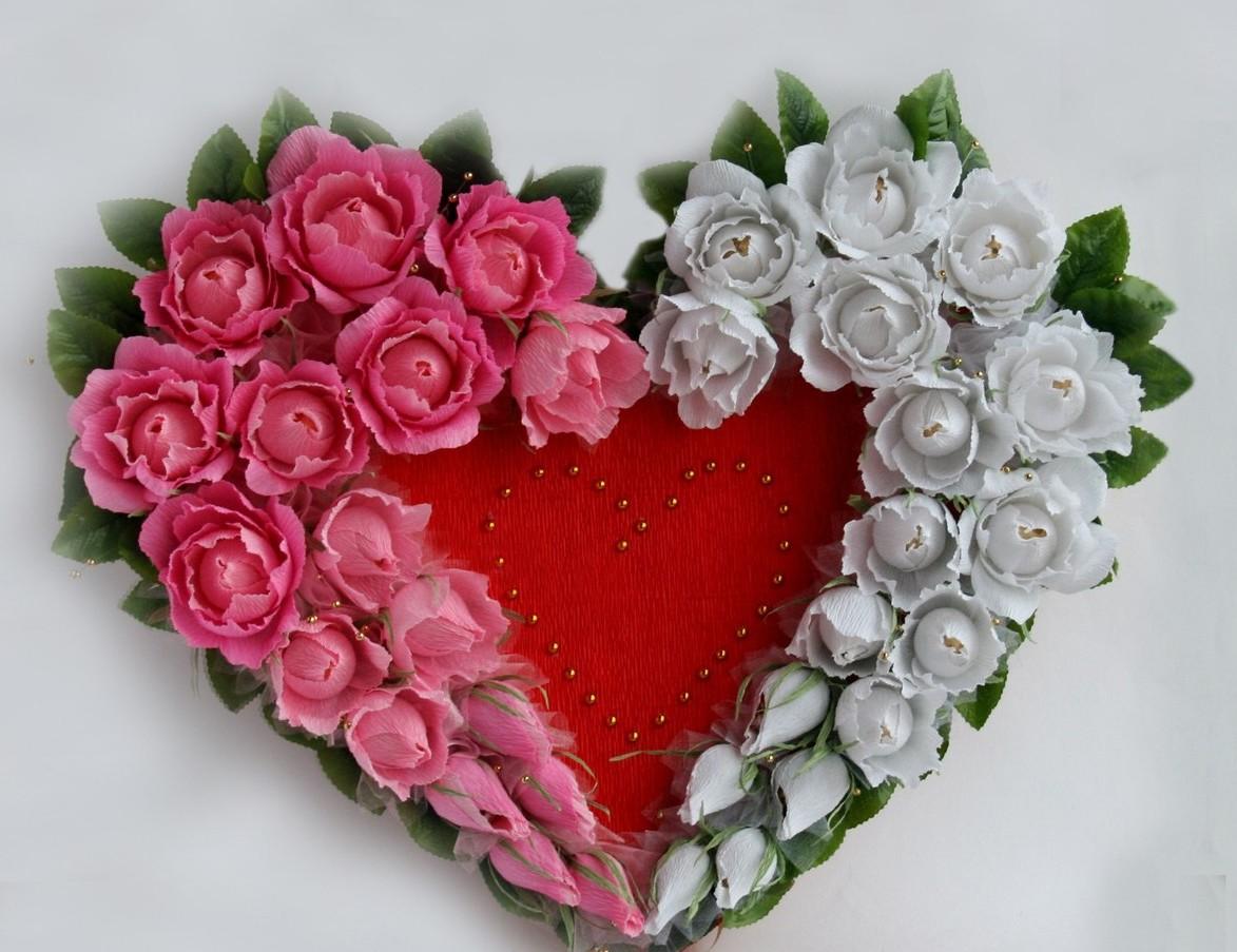Сердце с цветами и конфетами своими руками